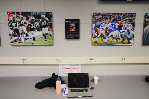 Jets, Giants rename MetLife photo room for Anthony Causi