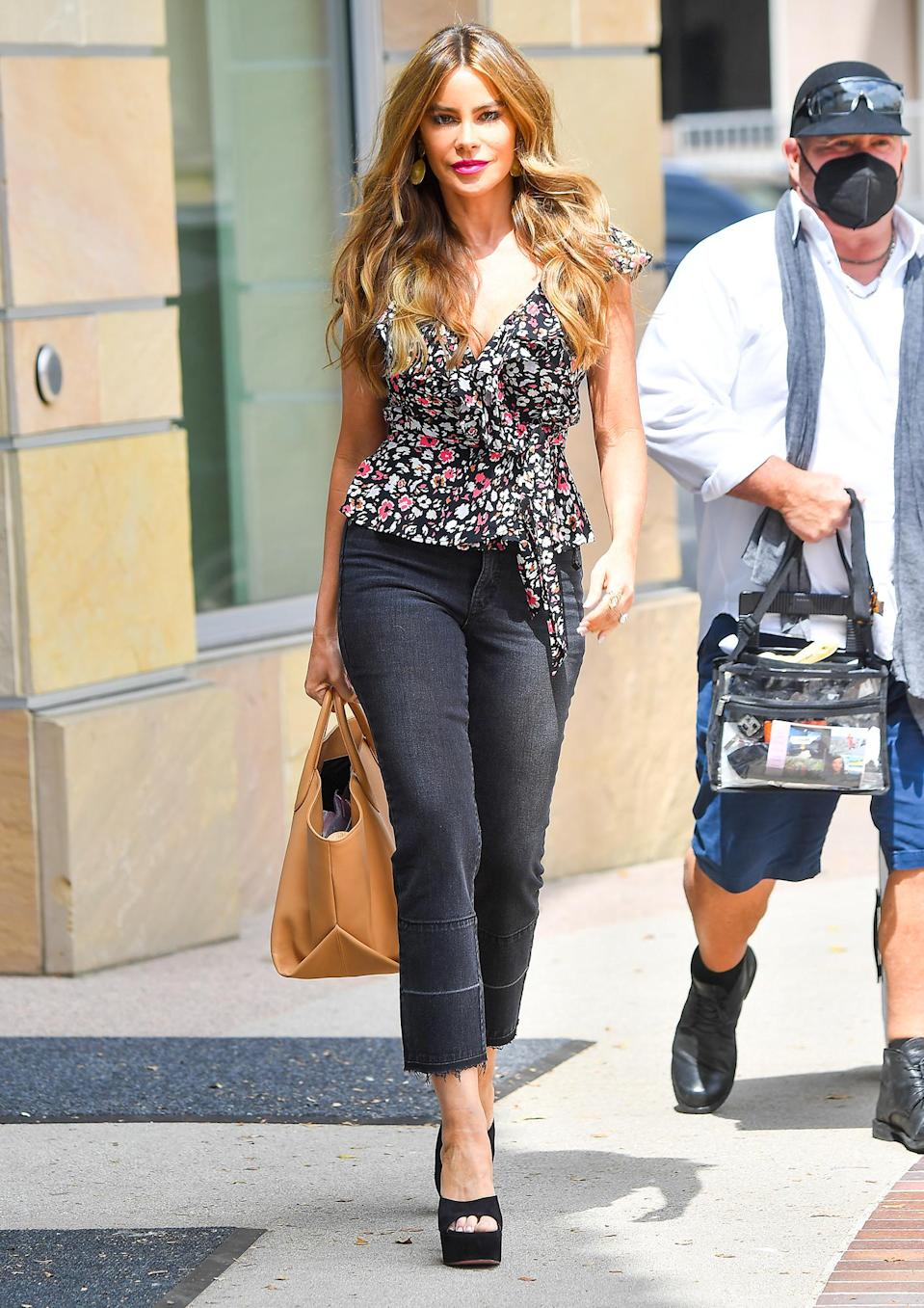 <p>Sofía Vergara arrives at<em> America's Got Talent</em> on Monday in sunny Pasadena.</p>