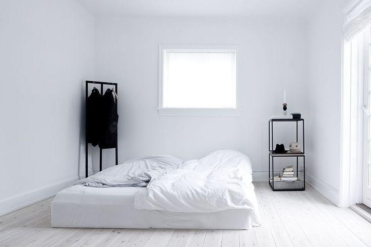 <p>Painting a small room all-white can really make it seem bigger and brighter. <i>[Photo: Pinterest]</i></p>