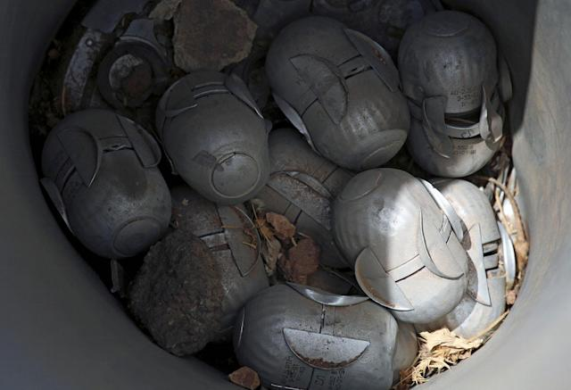 <p>Unexploded cluster bomblets are seen in the rebel-held area in Deraa, Syria July 26, 2017. (Photo: Alaa al-Faqir/Reuters) </p>
