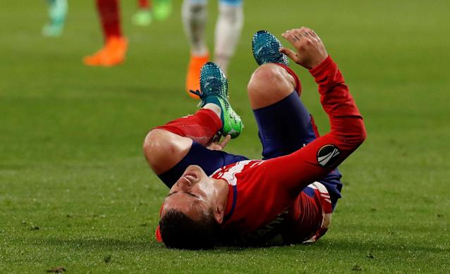 Soccer Football - Europa League Final - Olympique de Marseille vs Atletico Madrid - Groupama Stadium, Lyon, France - May 16, 2018 Atletico Madrid's Antoine Griezmann reacts after sustaining an injury REUTERS/Christian Hartmann