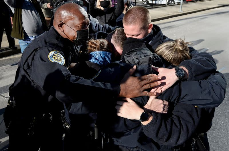 Nashville Metro Police Chief embraces officers near blast site