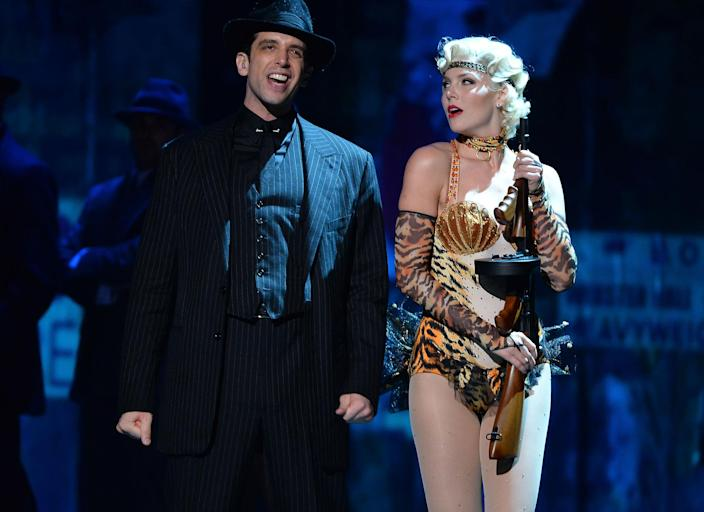 """Nick Cordero and Amanda Kloots and the cast """"Bullets Over Broadway""""  perform on stage.  (Théo Wargo / Getty Images)"""
