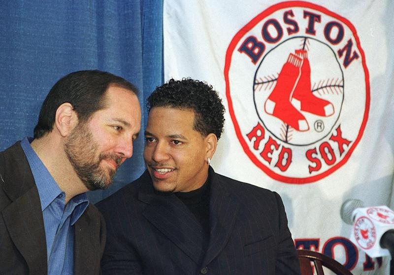 Manny Ramirez signs with Red Sox.