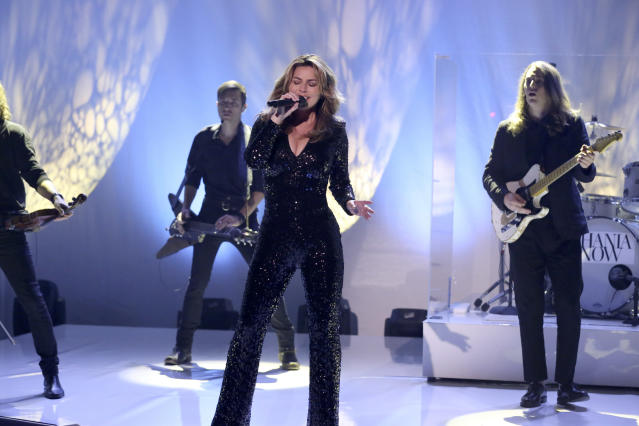 "Shania Twain sings her new single on ""The Tonight Show."" (Photo: Getty Images)"