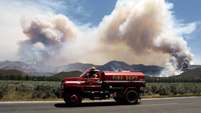 Evacuations continue from S. Calif. wildfire