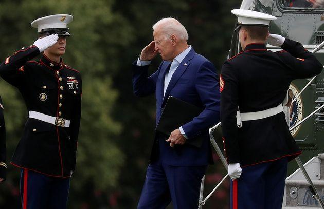 U.S. President Joe Biden returns a salute as he arrives at Fort McNair on his way back to the White House to deliver a statement on Afghanistan, in Washington, U.S., August 16, 2021. REUTERS/Leah Millis (Photo: LEAH MILLIS via REUTERS)
