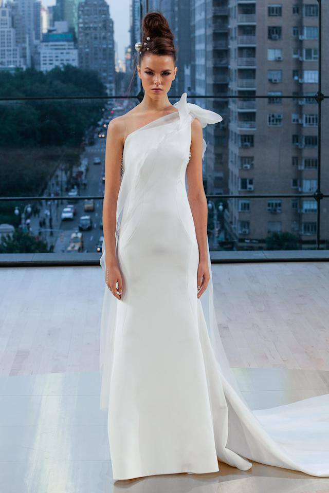 <p>One-shouldered simple white gown. (Photo: First View) </p>