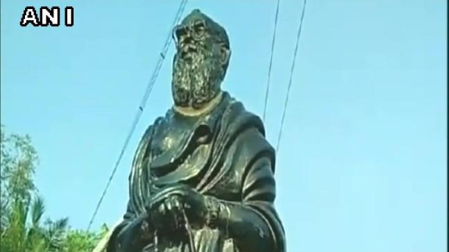 The statue of Periyar was found with its head cut off in Pudukottai yesterday. The police and revenue officials rushed to the spot on hearing about the incident.
