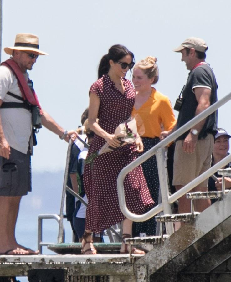 NO MAIL ONLINE The Duchess of Sussex, Meghan Markle arrives by boat to Kingfisher Bay on Fraser IslandPictured: Meghan Duchess of SussexRef: SPL5035268 221018 NON-EXCLUSIVEPicture by: Media-Mode / SplashNews.comSplash News and PicturesLos Angeles: 310-821-2666New York: 212-619-2666London: 0207 644 7656Milan: +39 02 4399 8577Sydney: +61 02 9240 7700photodesk@splashnews.comWorld Rights, No Australia Rights, No New Zealand Rights