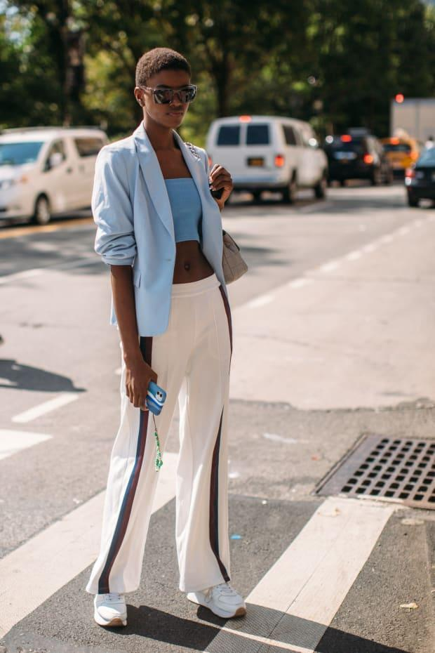 <p>On the street at New York Fashion Week Spring 2022. </p><p>Photo: Imaxtree</p>