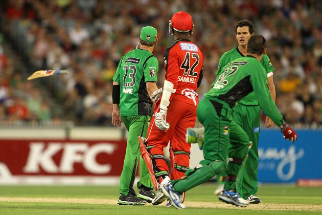 MELBOURNE, AUSTRALIA - JANUARY 06:  Marlon Samuels of the Stars throws his bat during the Big Bash League match between the Melbourne Stars and the Melbourne Renegades at Melbourne Cricket Ground on January 6, 2013 in Melbourne, Australia.  (Photo by Robert Prezioso/Getty Images)