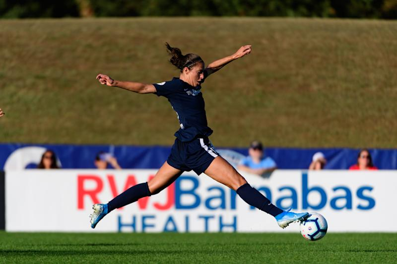 PISCATAWAY, NJ - SEPTEMBER 15: Carli Lloyd #10 of Sky Blue FC during a game between Chicago Red Stars and Sky Blue FC at Yurcak Field Rutgers University on September 15, 2019 in Piscataway, New Jersey. (Photo by Howard Smith/ISI Photos/Getty Images).