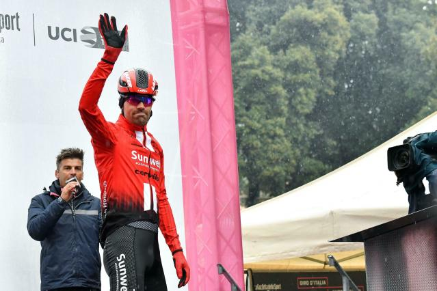 Dutch cyclist Tom Dumoulin waves prior to the fifth stage of the Giro D'Italia, tour of Italy cycling race, from Frascati to Terracina, Wednesday, May 15, 2019. (Alessandro Di Meo/ANSA via AP)