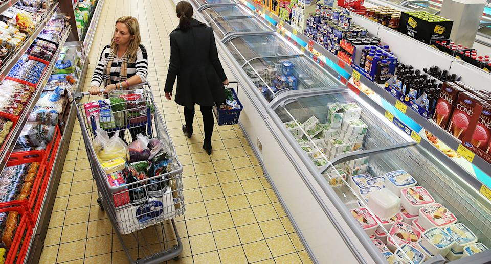 Two women shop in Aldi. Source: Getty Images