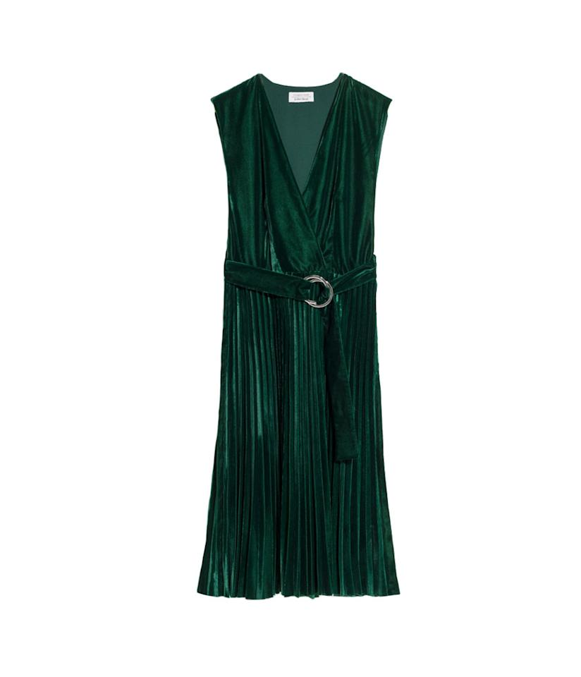 "<p>Pleated Velvet Dress, $125, <a rel=""nofollow"" href=""https://www.stories.com/us/Ready-to-wear/Dresses/Pleated_Velvet_Dress/582938-0514564001.2"">stories.com</a> </p>"