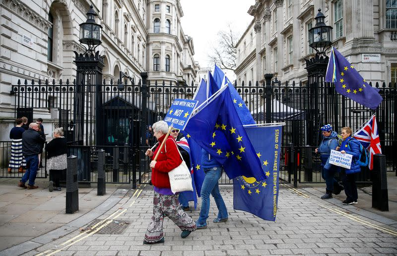 EU watchdog says can meet deadline for UK clearers after Brexit