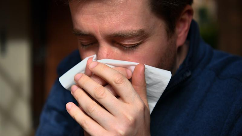Common cold helps combat flu, research suggests