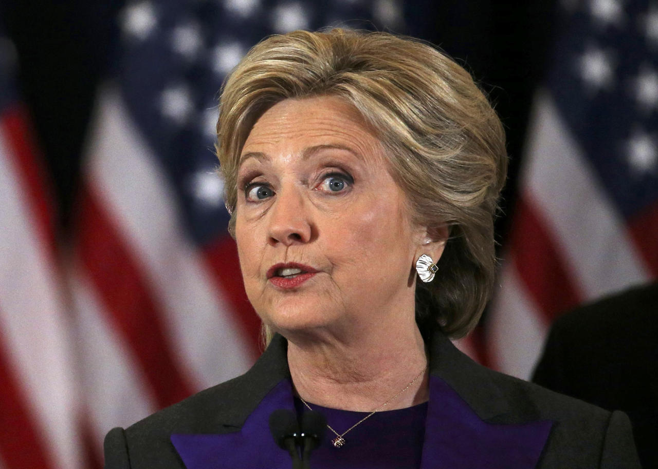 <p>Hillary Clinton addresses her staff and supporters about the results of the U.S. election at a hotel in the Manhattan borough of New York, U.S., November 9, 2016. (REUTERS/Carlos Barria) </p>