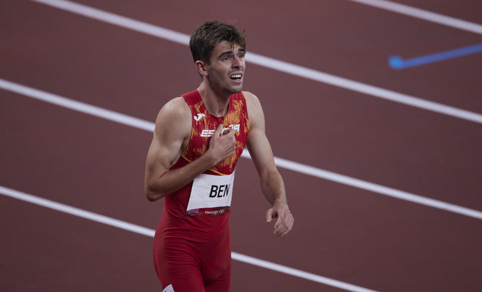 TOKYO, JAPAN - AUGUST 01: (BILD ZEITUNG OUT) Adrian Ben of Spain compete in the men's 800m sprint second semi-final in athletics on day nine of the Tokyo 2020 Olympic Games at Olympic Stadium on August 1, 2021 in Tokyo, Japan. (Photo by Berengui/DeFodi Images via Getty Images)