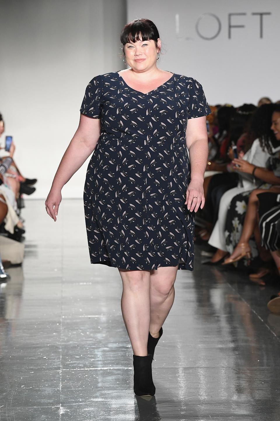 Amber McCulloch walks the runway at the Loft Fashion Show during theCURVYcon Powered By Dia&Co (Getty Images).