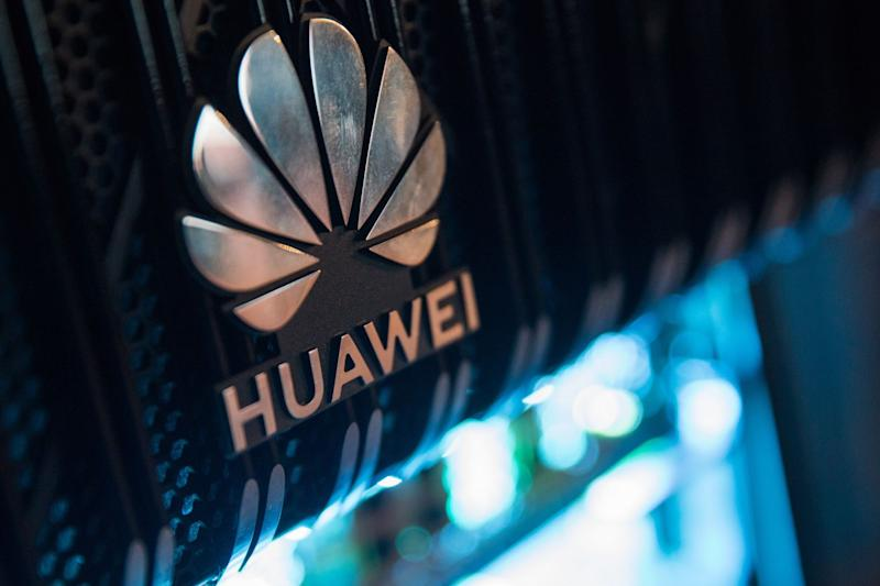 Huawei Snubbed by Canadian Firms Ahead of Trudeau's Crucial 5G Call