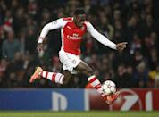 Arsenal's Danny Welbeck runs with the ball during their UEFA Champions League Group D match against Anderlecht, at the Emirates Stadium in north London, on November 4, 2014 (AFP Photo/Adrian Dennis)