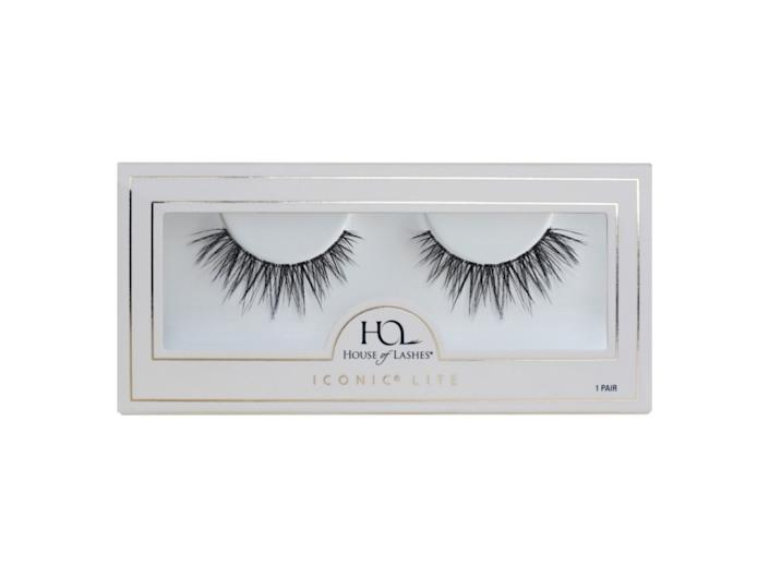house of lashes Iconic Lite False Lashes
