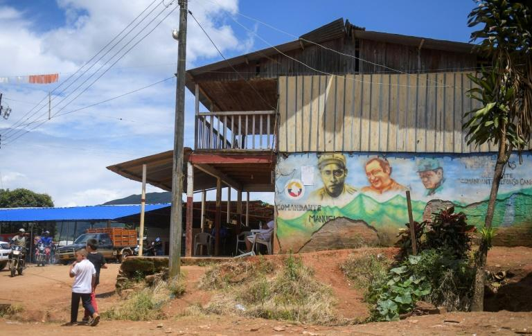 The influence of the guerrillas is still apparent in Cauca - on murals, billboards and posters (AFP/Raul ARBOLEDA)