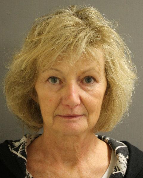Mom pleads not guilty to abducting daughters in 1985