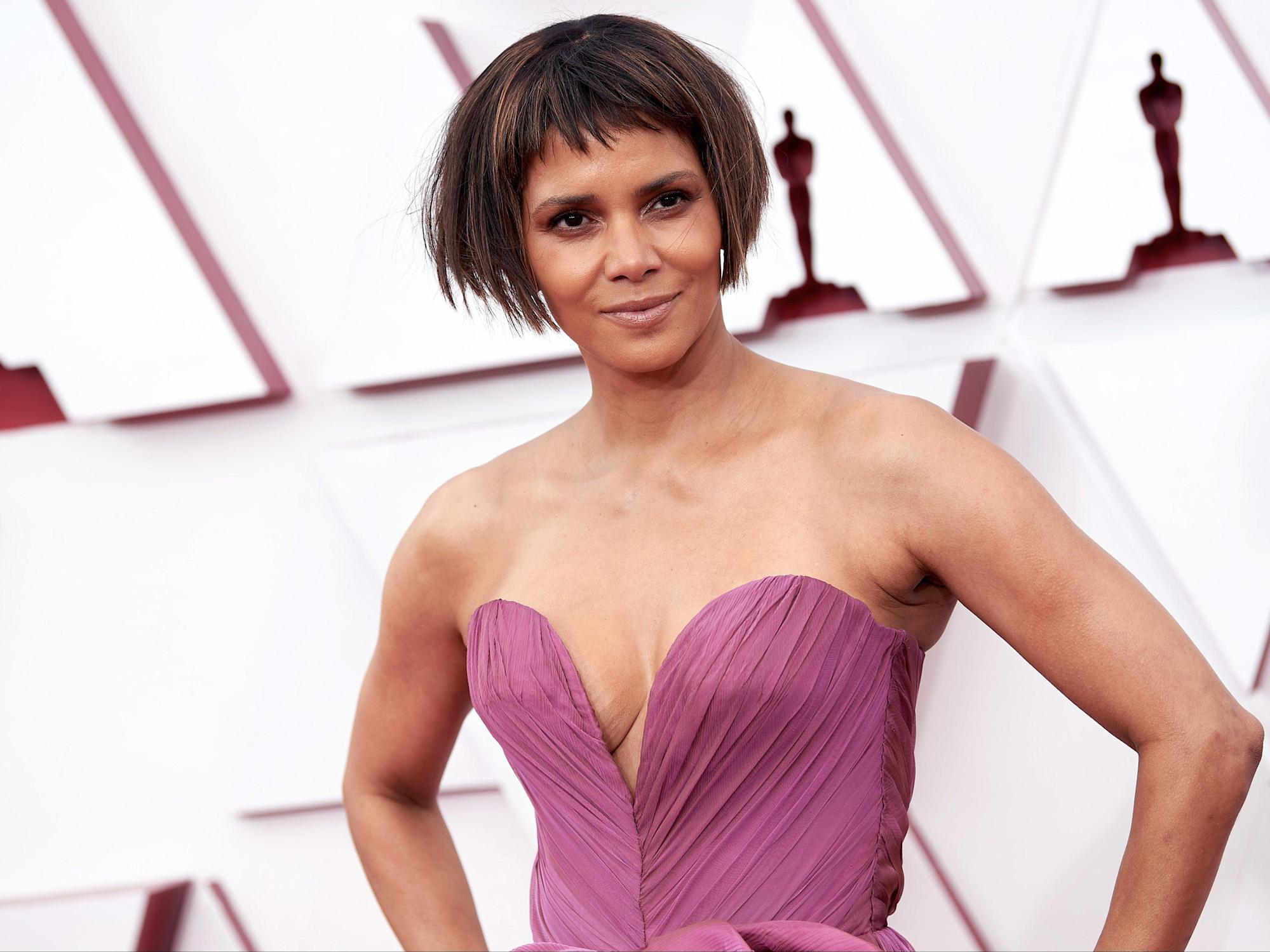 Halle Berry responds to being mocked for new haircut at 2021 Oscars