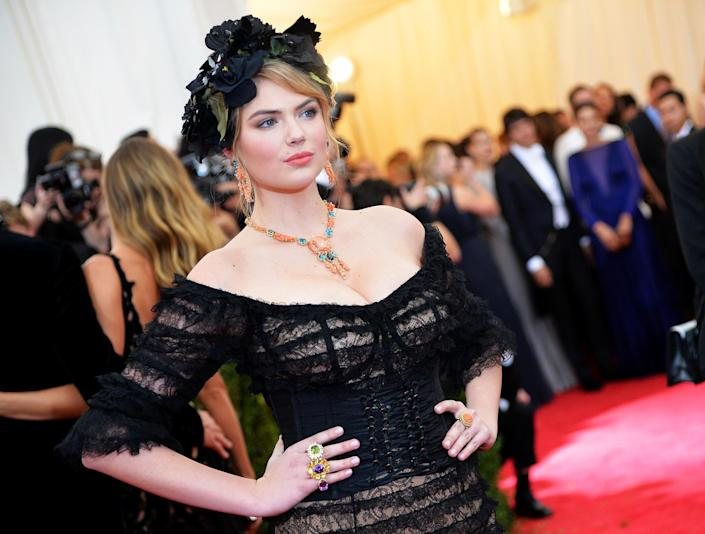 """Top model Kate Upton at the """"Charles James: Beyond Fashion"""" Costume Institute Gala at the Metropolitan Museum of Art on May 5, 2014 in New York (AFP Photo/Mike Coppola)"""