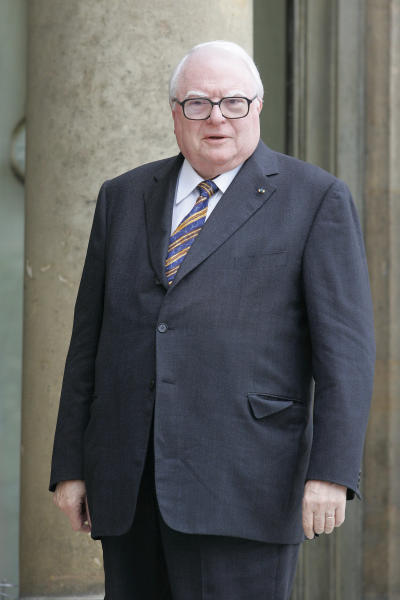 FILE - This Tuesday, Oct. 14, 2008 file photo shows former French Socialist Prime Minister Pierre Mauroy arriving at the Elysee Palace in Paris for a meeting with French President Nicolas Sarkozy. Pierre Mauroy, who as France's prime minister implemented a wide range of radical social reforms under Socialist president Francois Mitterrand, has died at 84. Foreign Minister Laurent Fabius said Mauroy died Friday June 7, 2013 min a hospital in a suburb of Paris. He had been suffering from cancer. (AP Photo/Michel Euler, File)