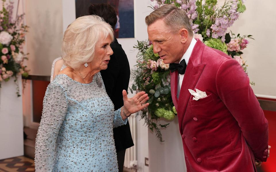 The Duchess of Cornwall meets the 007 actor Daniel Craig - Chris Jackson Collection