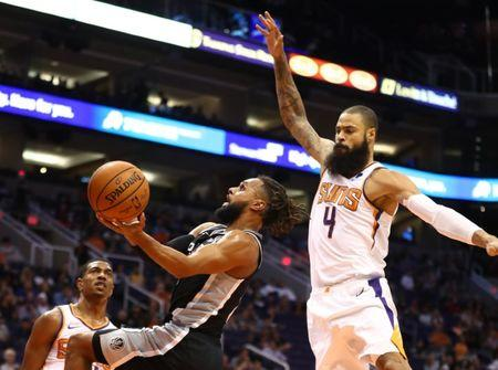 Tyson Chandler officially signs with Los Angeles Lakers after clearing waivers