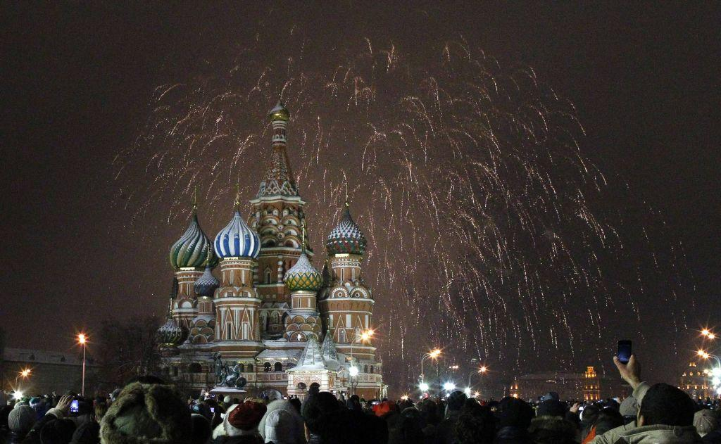 Fireworks explode over St. Basil Cathedral at Red Square during New Year's Day celebrations in Moscow January 1, 2013.