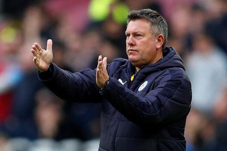 FILE PHOTO:  Leicester City manager Craig Shakespeare gestures