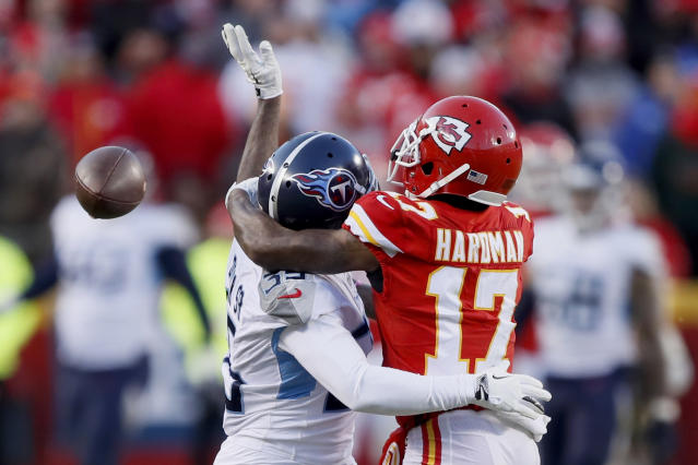 """The Tennessee Titans' Tramaine Brock is called for interference on a pass intended for the <a class=""""link rapid-noclick-resp"""" href=""""/nfl/teams/kansas-city/"""" data-ylk=""""slk:Kansas City Chiefs"""">Kansas City Chiefs</a>' <a class=""""link rapid-noclick-resp"""" href=""""/nfl/players/31888/"""" data-ylk=""""slk:Mecole Hardman"""">Mecole Hardman</a> (17) in last season's AFC championship game. (AP Photo/Charlie Neibergall)"""