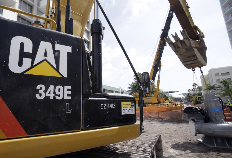 Investors Applaud Caterpillar Inc. (NYSE:CAT)'s Earnings Beat And Upbeat Forecast