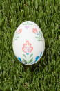 <p>Traditional Scandinavian folk art features stylized flowers and elements of nature along with geometric patterns for a sweet and charming result. Use it as inspiration to do some of your own rosemaling (this style of decorative painting) on little egg canvases.</p>