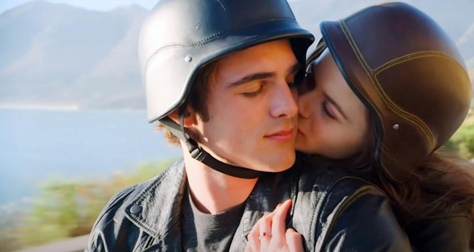 THE KISSING BOOTH 2, from left: Jacob Elordi, Joey King, 2020. Netflix / Courtesy Everett Collection
