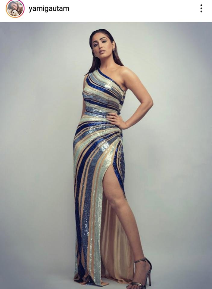 Declaring she has up'ed her fashion game in the past one year, the <em>Bala </em>actress reached the Vogue Nykaa Fashion Awards in a single-shouldered gown. Her dress was covered in sequins of multiple understated hues. Yami chose to wear ultra-nude make-up that gave her a washed-up look and kept her 'sleek back' hair off the face. Her eyes and the brows, however, were well-defined and pulled the focus of all shutterbugs there.