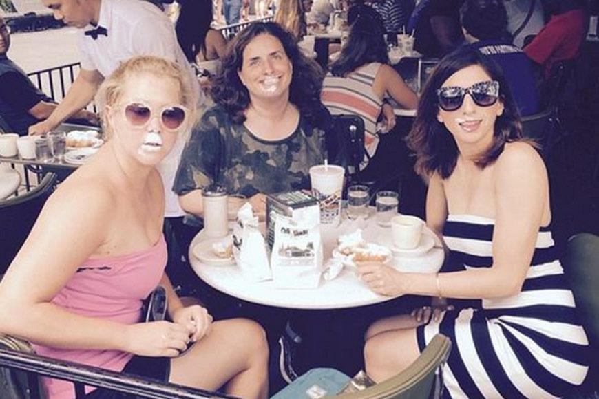 <p>The funny lady was in New Orleans this week, which practically requires a visit to the famous Café Du Monde for its signature sugar-dusted beignets. Of course, there were some inevitable hazards.</p>