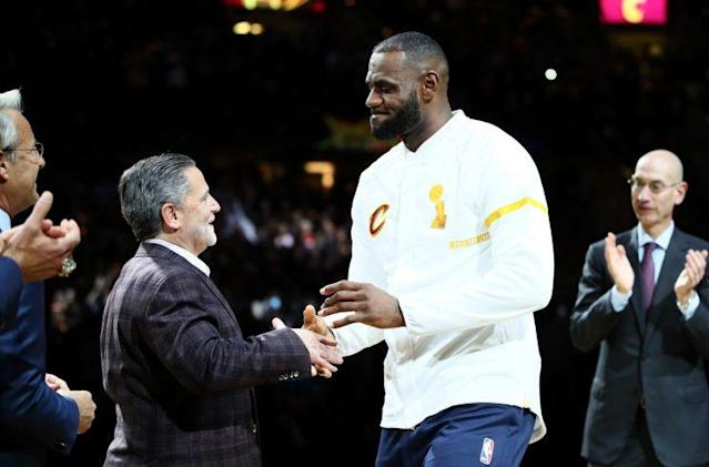 "Dan Gilbert (L) could lose <a class=""link rapid-noclick-resp"" href=""/nba/players/3704/"" data-ylk=""slk:LeBron James"">LeBron James</a> after the 2017-18 season. (AP)"
