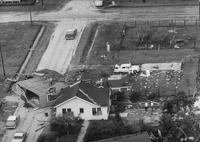 Houses destroyed by Hurricane Carla in 1961. (Photo: Lynn Pelham/The Life Images Collection/Getty Images)