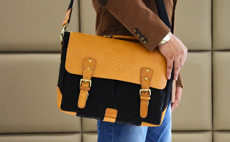 Save 25 percent on this very stylish leather messenger bag. (Photo: Amazon)
