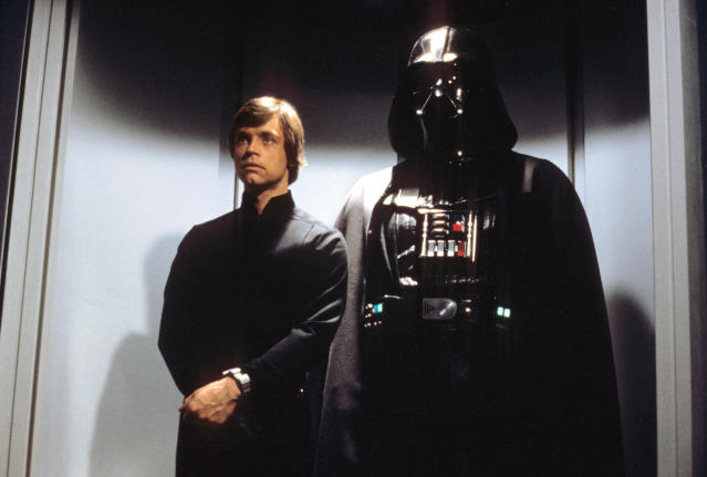 Luke Skywalker (Mark Hamill) reunites with his dad, Darth Vader, in <em>Return of the Jedi.</em> (Photo: Courtesy of Everett Collection)
