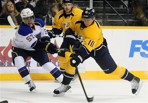 Rinne makes 41 saves as Predators top Blues 3-1