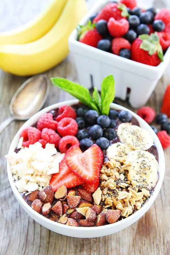 """<strong>Get the <a href=""""http://www.twopeasandtheirpod.com/berry-banana-smoothie-bowl/?utm_source=feedburner&utm_medium=feed&utm_campaign=Feed:+twopeasandtheirpod/rNNF+(Two+Peas+and+Their+Pod)"""" target=""""_blank"""">Berry Banana Smoothie Bowl recipe</a>from Two Peas and Their Pod</strong>"""