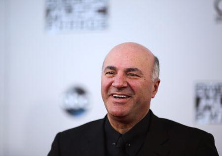 Television personality Kevin O'Leary arrives at the 2015 American Music Awards in Los Angeles